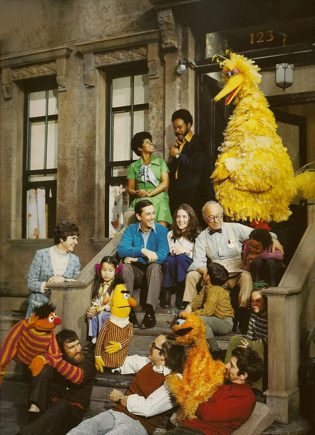 Picture of the day the original cast of sesame street for Jim s dog house