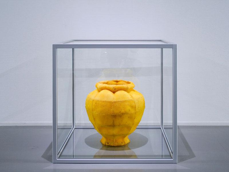 beeswax sculpture 3-bee printing tomas livertiny