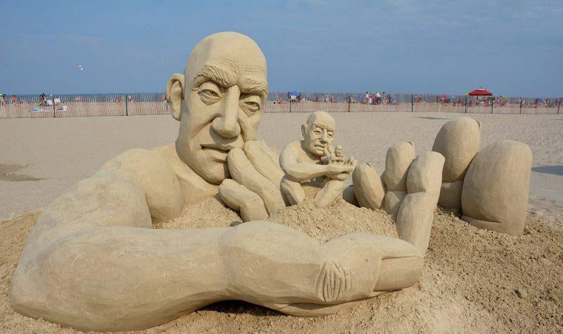 car jara hampton beach master sand sculpting competition first place photo martha lardent The Infinity Sand Sculpture by Carl Jara