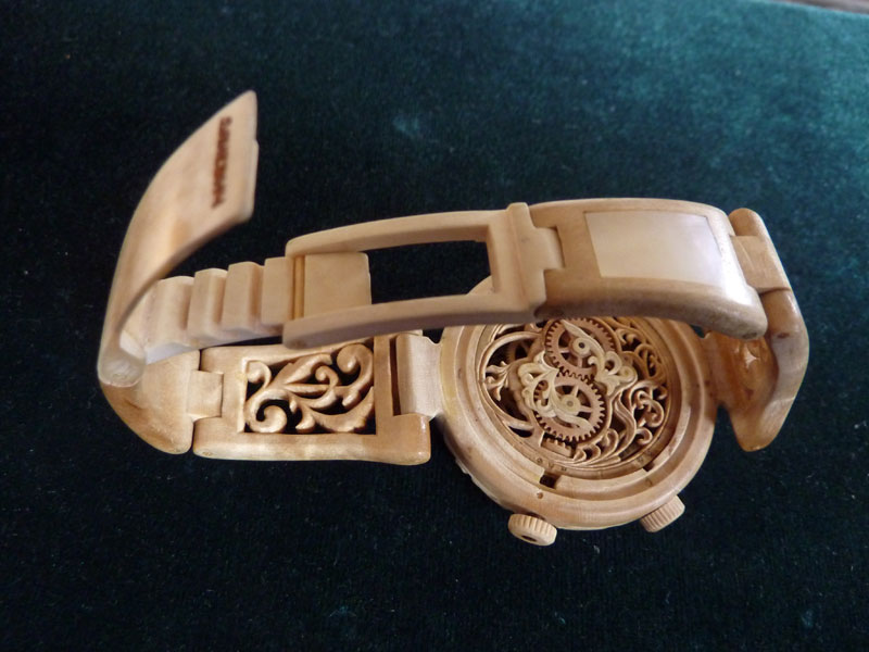 functional watches made out of wood by Valerii Danevych (7)
