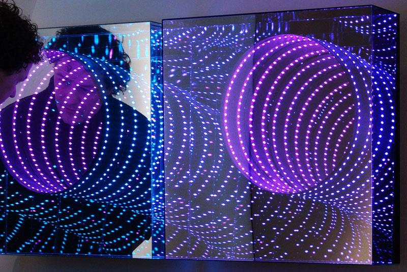 infinite LED artworks plexiglass mirrors hans kotter (10)