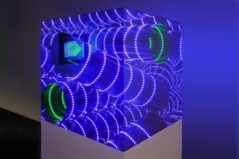 Infinite artworks made with plexiglas mirrors and leds for Miroir infini led