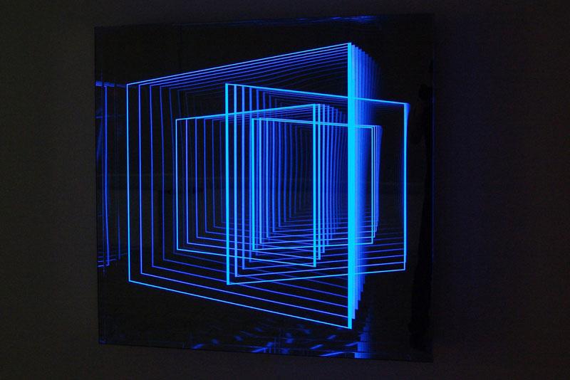 infinite artworks made with plexiglas mirrors and leds twistedsifter. Black Bedroom Furniture Sets. Home Design Ideas