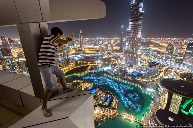 rooftopping dubai urban exploration vadim makhorov 5 12 Photos That Look Straight Down from Perilous Heights