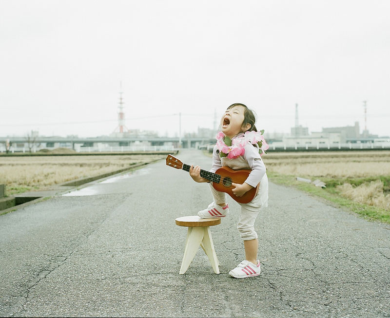 Creative Dad Takes Adorable Portraits ofDaughter