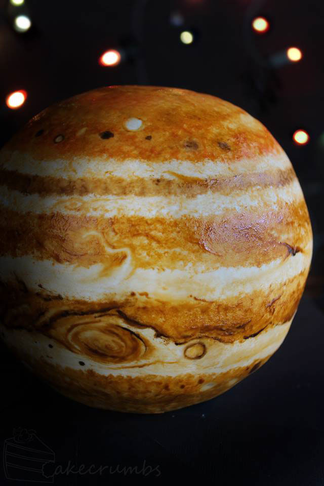 jupiter planet cake by cakecrumbs 2 Spherical Layer Cake Planets by Cakecrumbs