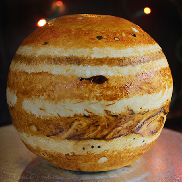 jupiter planet cake by cakecrumbs 4 Spherical Layer Cake Planets by Cakecrumbs