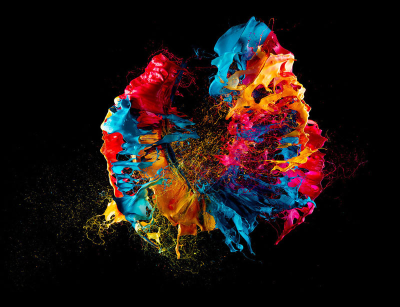 popping a balloon covered in paint high-speed photoraphy by fabian oefner (5)
