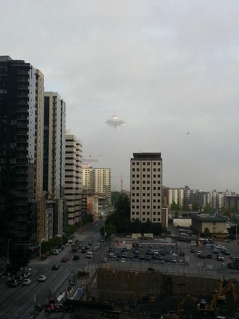 seattle-fog-space-needle-looks-like-ufo.jpg?w=800&h=1067