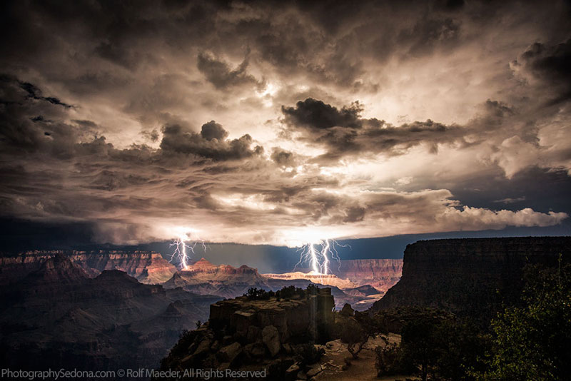 grand canyon lightning storm rolf maeder1 21 Terrifyingly Beautiful Photos of Incoming Storm Clouds