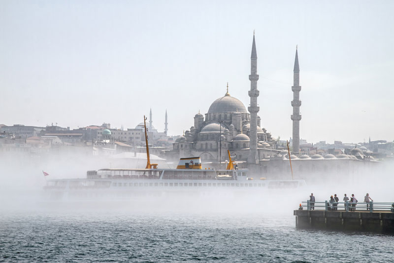 istanbul fog Picture of the Day: Mist Tanbul