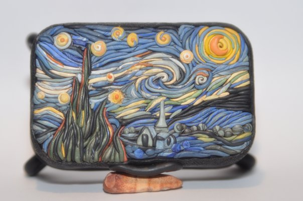 mini clay artworks on altoid tins 10 8 Sculptures Carved on the Tips of Pencils