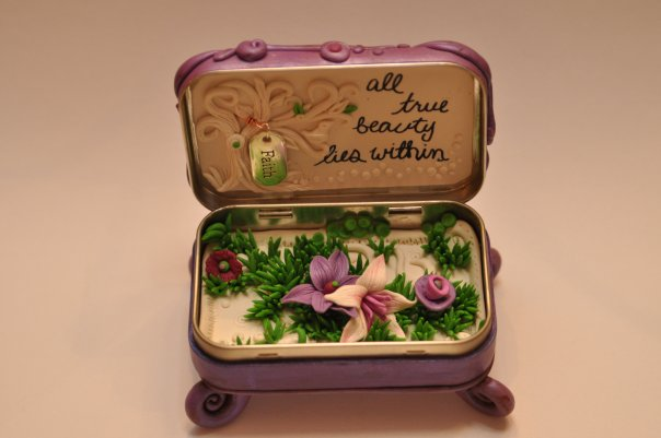 mini clay artworks on altoid tins (7)