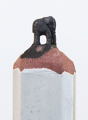 sculptures carved on the tip of a pencil diem chau (6)