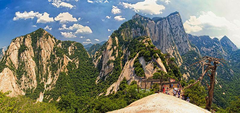 south peak cliffside plank path hua shan china (10)