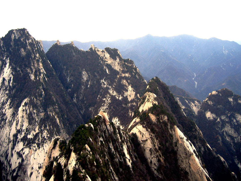 south peak cliffside plank path hua shan china (8)
