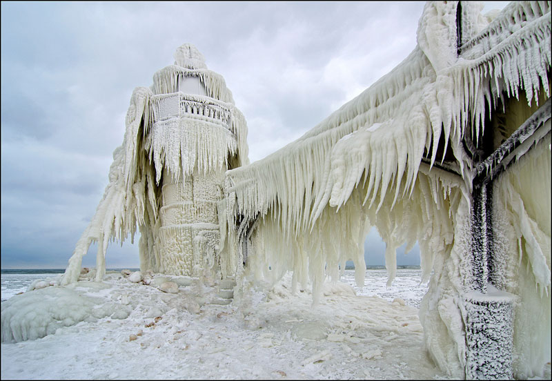 Lake Michigan's Famous Frozen Pier andLighthouse