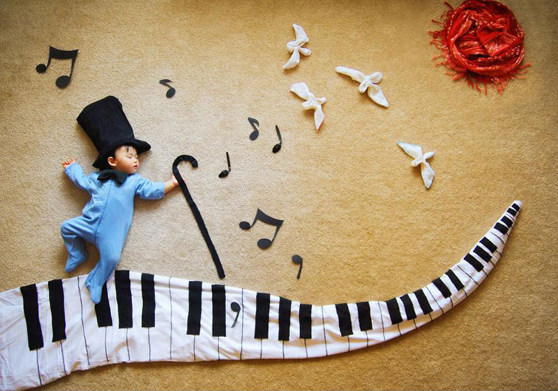 Artistic Mom Turns Nap Time into anAdventure