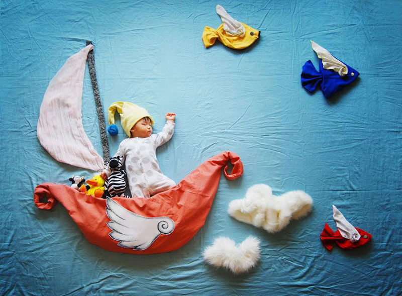 artist-queenie-liao-turns-nap-time-into-adventure-for-baby-son (3)