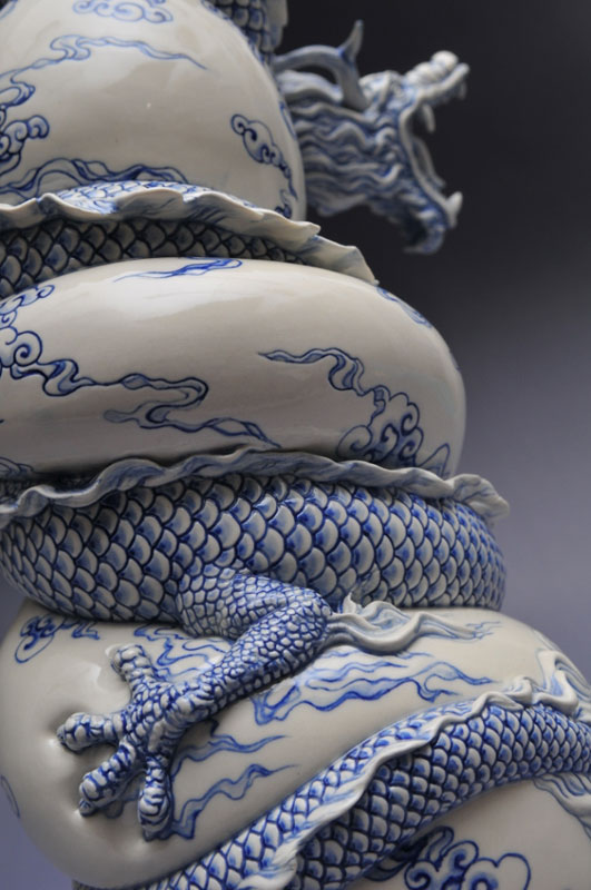 dragon strangling ceramic vase by johnson tsang (22)