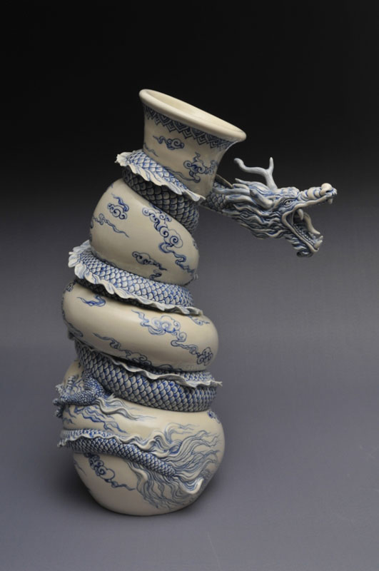 dragon strangling ceramic vase by johnson tsang 23 The Most Amazing Sand Sculptures You Will See Today