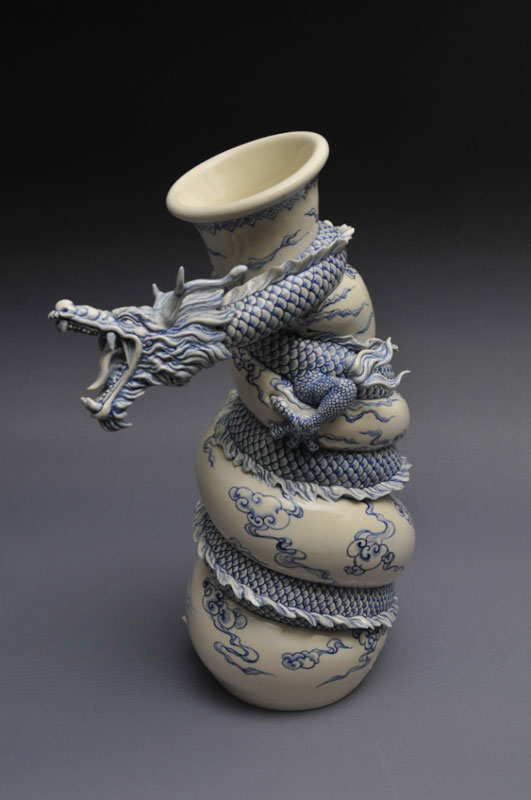 dragon strangling ceramic vase by johnson tsang 25 The Amazing Miniature Pottery of Jon Almeda