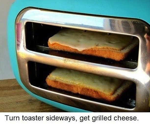 GRILLED-CHEESE-IN-TOASTER-LIFE-HACK