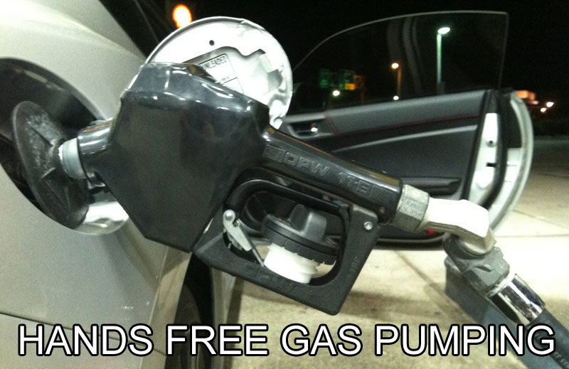 hands free gas pumping life hack 40 Clever Life Hacks to Simplify your World