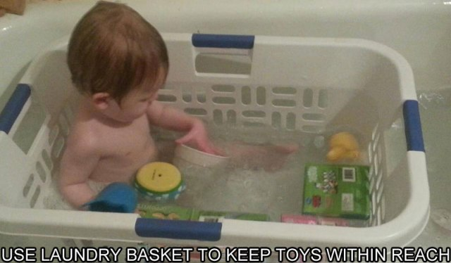 LAUNDRY-BASKET-KEEPS-TOYS-IN-REACH-IN-BATHTUB-LIFE-HACK