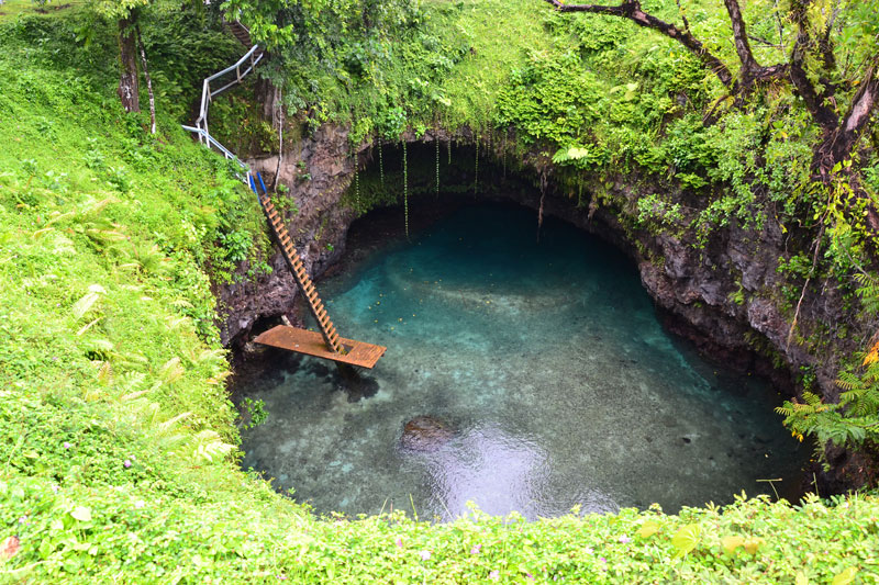 To Sua: A Natural Swimming Hole in the South Pacific
