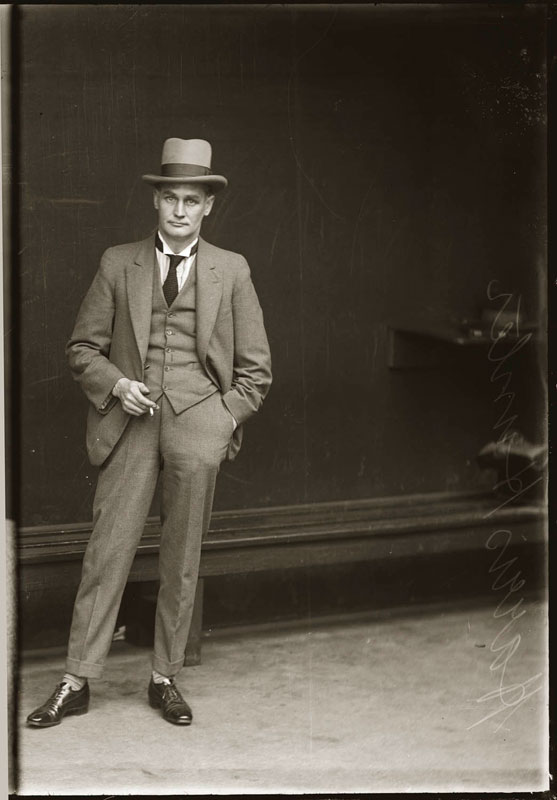 Vintage Candid Mugshots of Dapper Criminals 1920s (17)