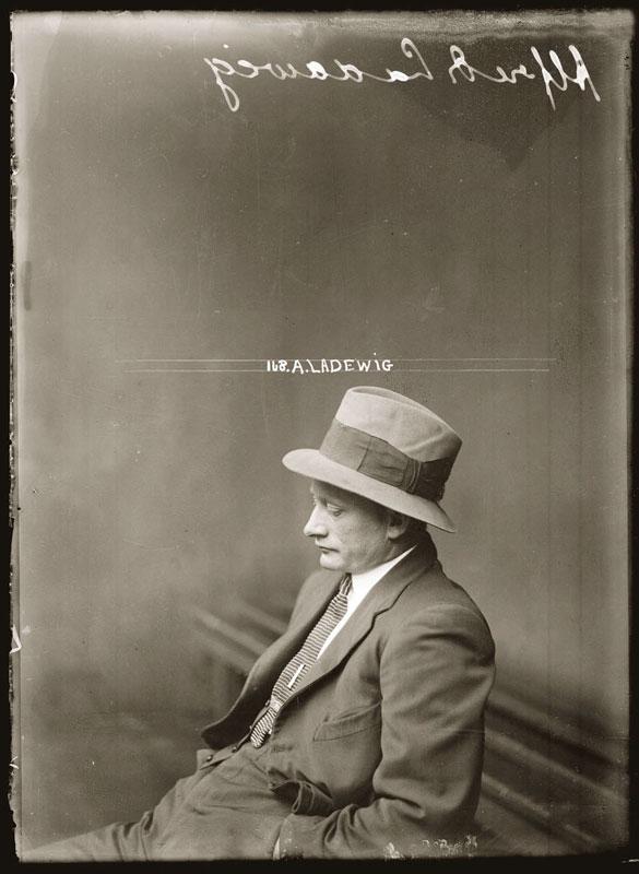 Vintage Candid Mugshots of Dapper Criminals 1920s (8)