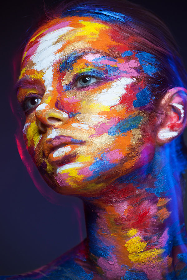 2D Portraits Painted Onto Human Faces (9)