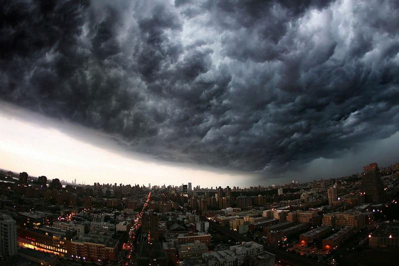incoming storm cloud new york city panoramic 21 Terrifyingly Beautiful Photos of Incoming Storm Clouds