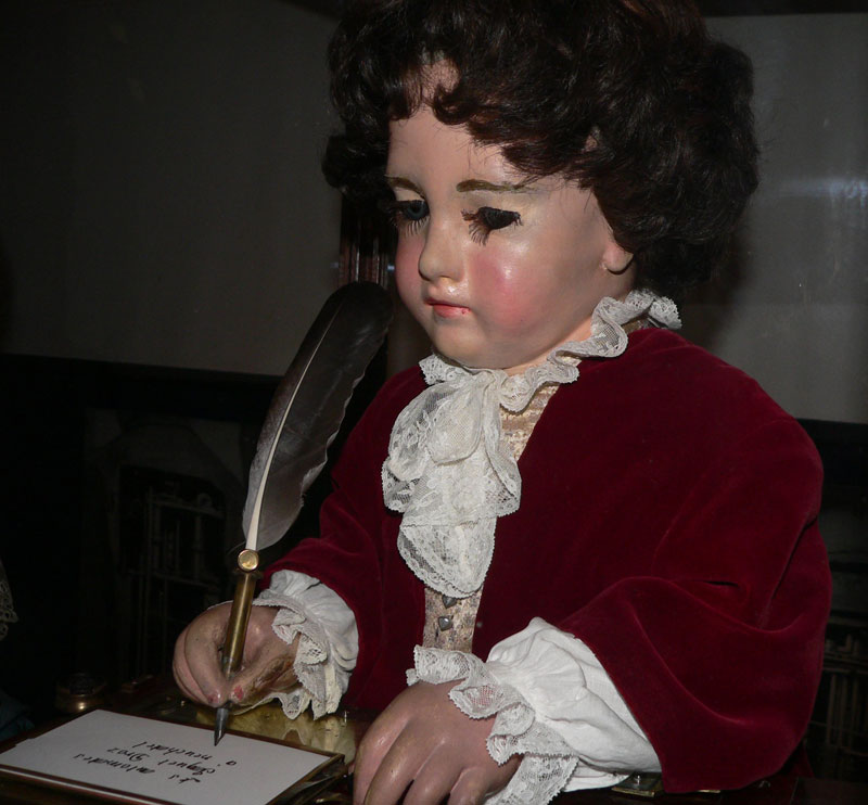 pierre jaquet-droz the writer automaton ancestor of modern computer (1)