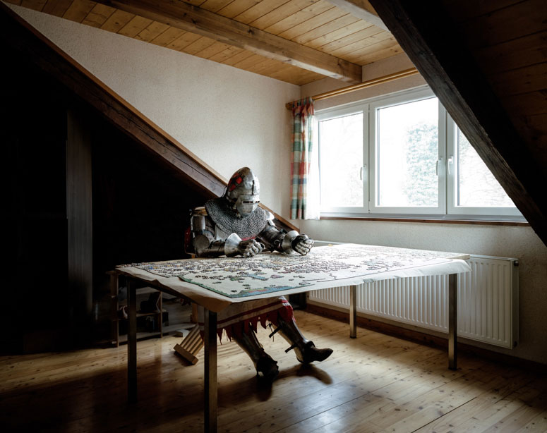 portraits of cosplayers at home by klaus pichler (13)