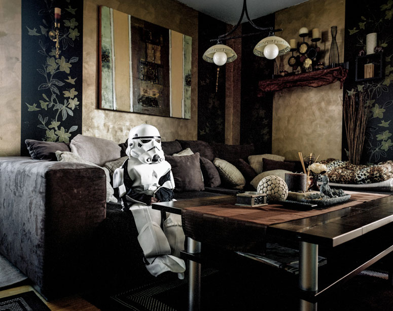 portraits of cosplayers at home by klaus pichler (2)