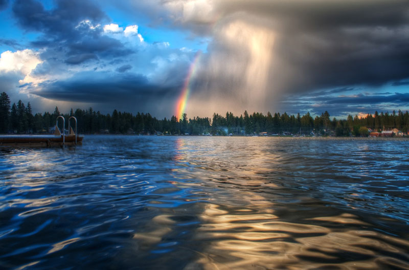 rainbow storm cloud 21 Terrifyingly Beautiful Photos of Incoming Storm Clouds