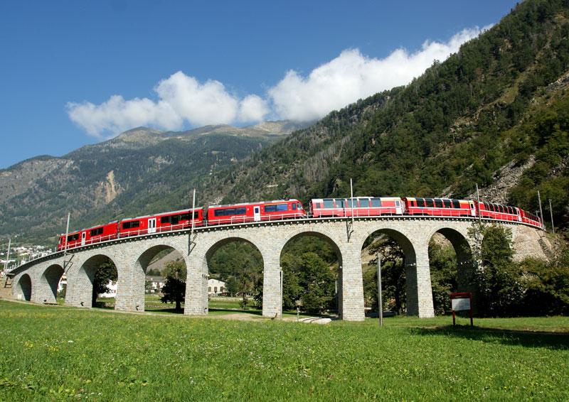 Rhaetian Railways Albula Bernina Landscapes unesco world heritage (1)