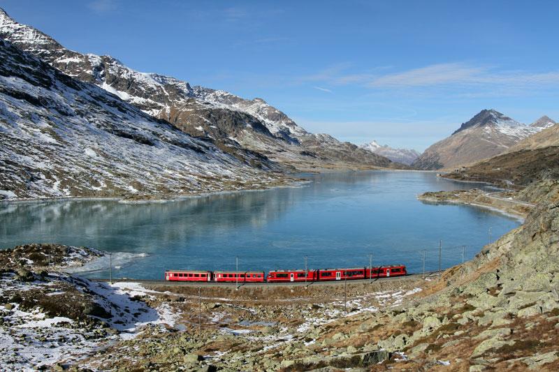Rhaetian Railways Albula Bernina Landscapes unesco world heritage (4)