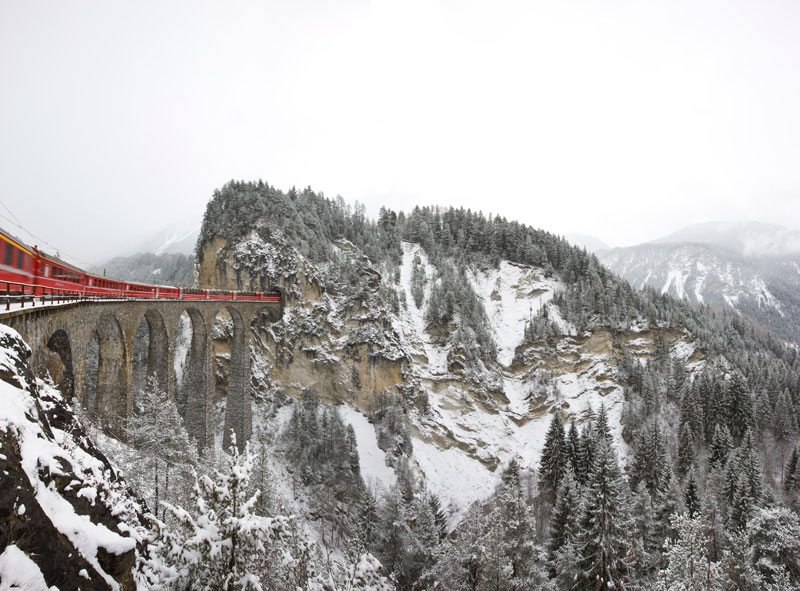 Rhaetian Railways Albula Bernina Landscapes unesco world heritage (7)
