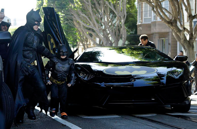 sf batkid make a wish miles leukemia 20 Kid Puts Up Poster for Free Piano Concert. Event Goes Viral and Hundreds Show Up