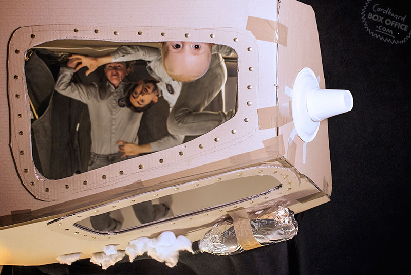 apollo13 Parents Recreate Movie Scenes with baby Son and cardboard