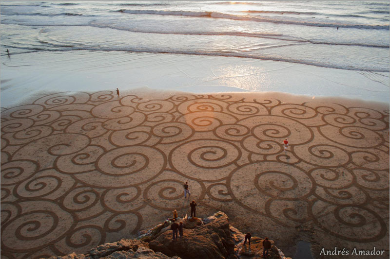 beach sand art with a by rake andres amador (2)