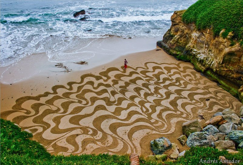 beach sand art with a by rake andres amador (4)