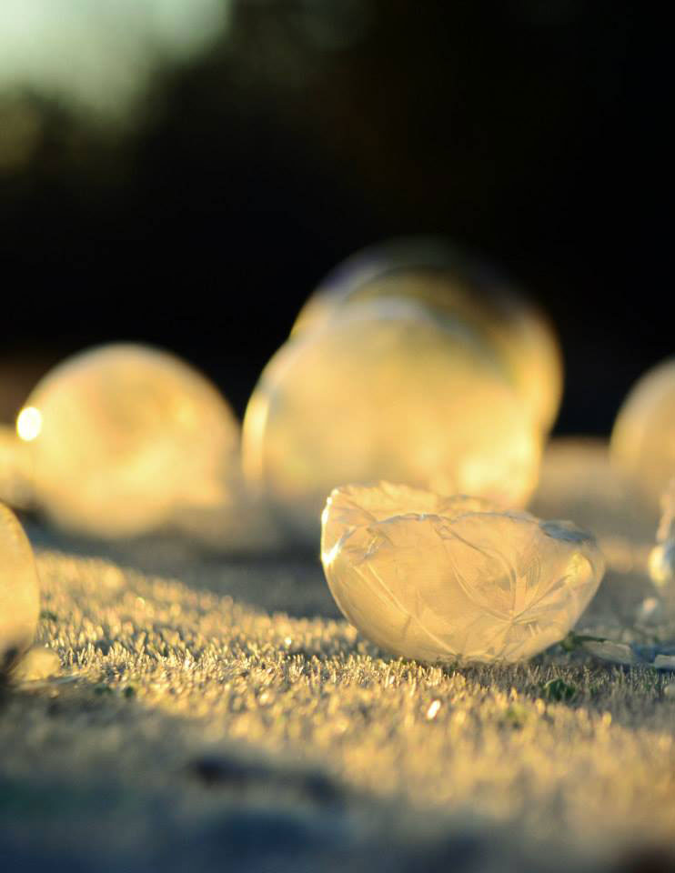 how to make frozen soap bubbles
