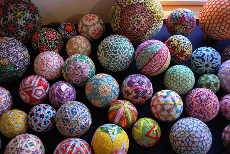 embroidered temari balls japan (2)