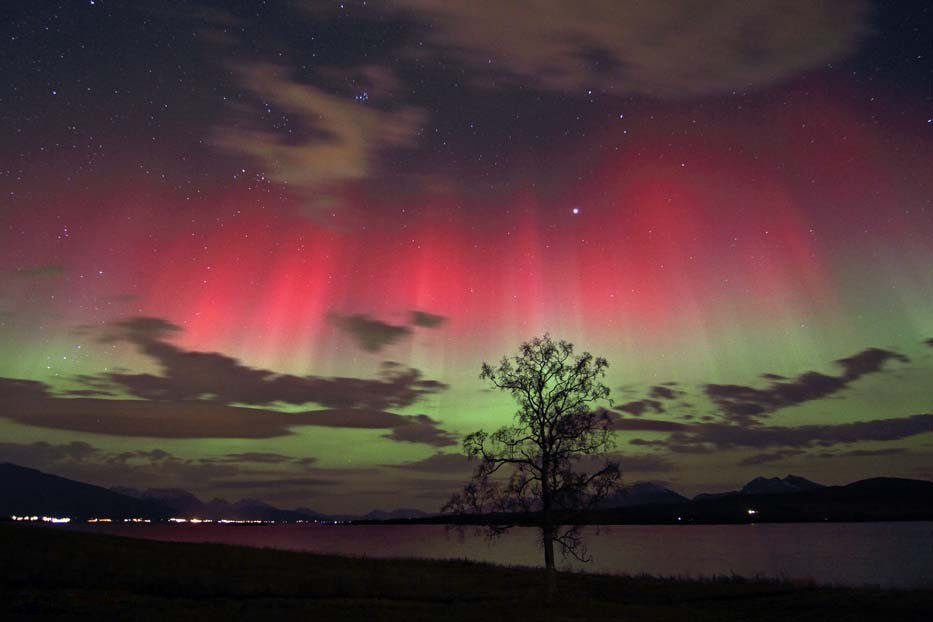 Picture of the Day: Aurora Borealis – Christmas Edition