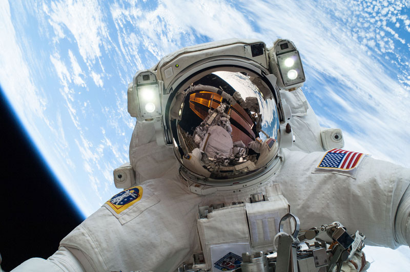 space selfie mike hopkins nasa dec 24 2013 Picture of the Day: The Space Selfie