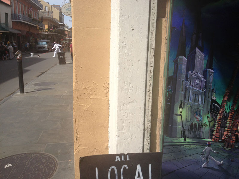 art-imitating-life-uncle-louie-french-quarter-new-orleans-perfect-timing